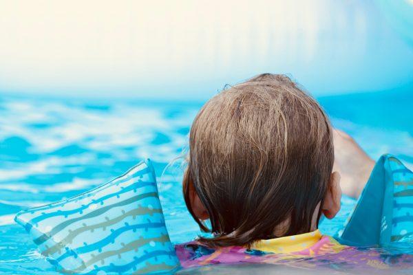 Kinderschwimmkurse trotz Corona in den Sommerferien